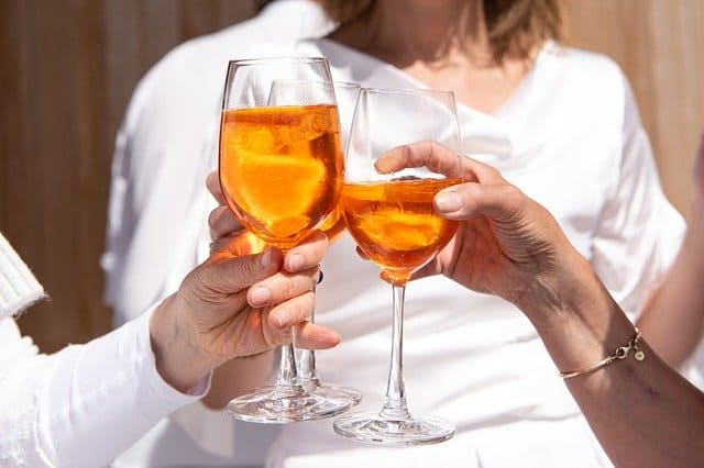 Prednisone and alcohol: Can I have them together?